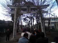 近所の神社は大混雑