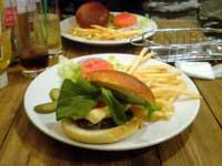 GONO burger&grilのハンバーガー